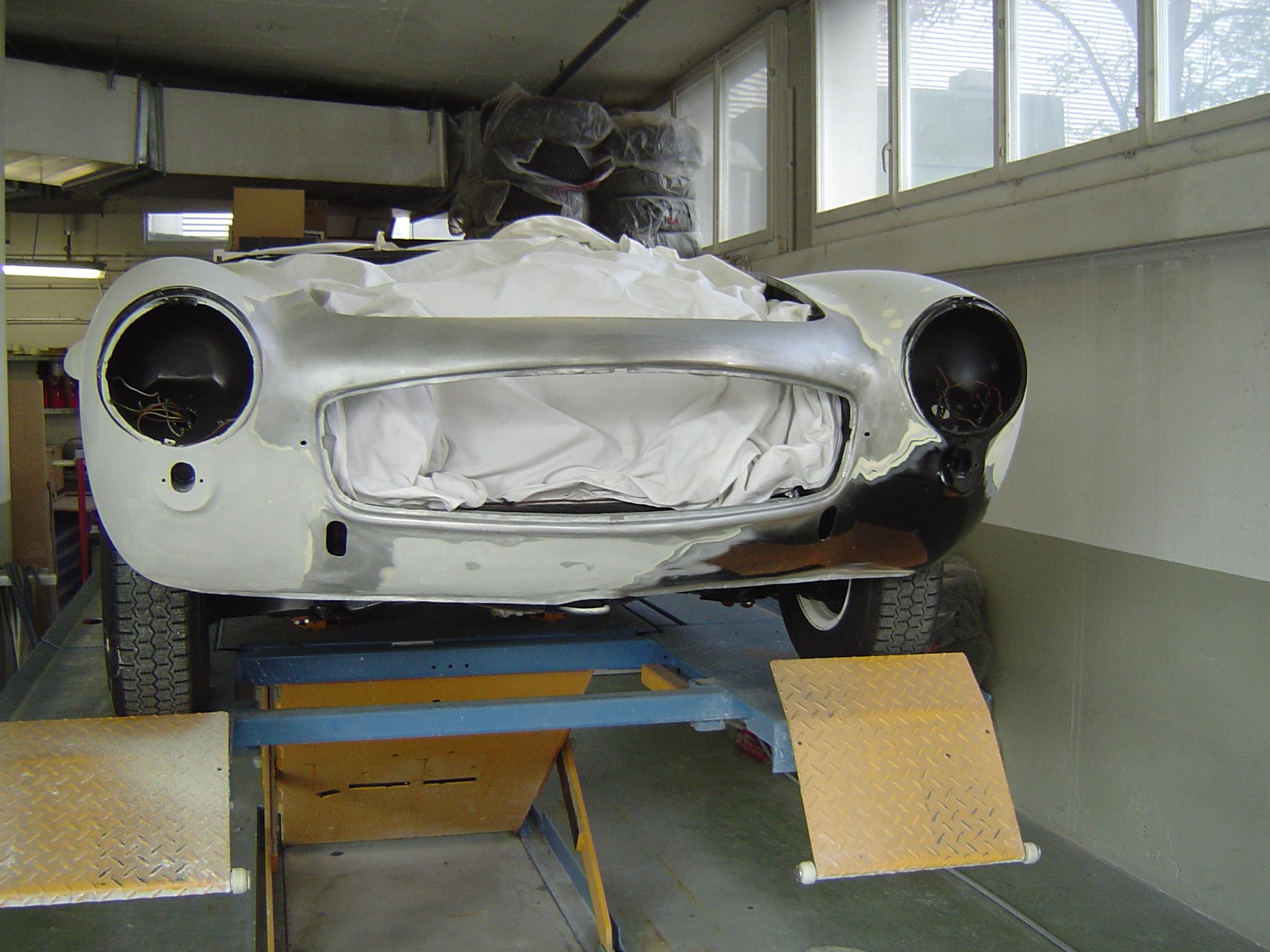 Mercedes 190 SL beim Lackierer
