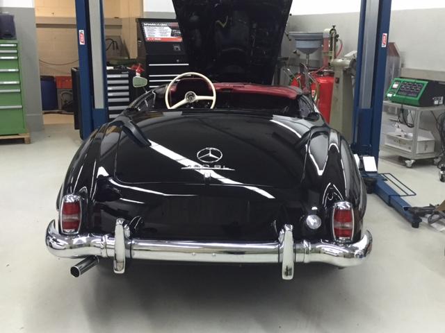 Mercedes 190 SL Motor